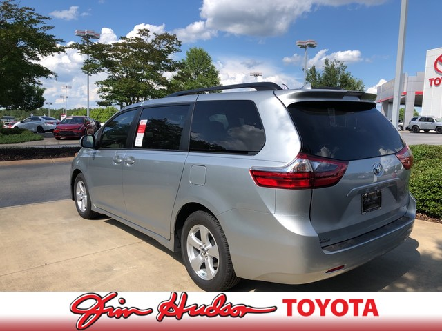 New 2020 Toyota Sienna LE FWD 8-Passenger (Natl)